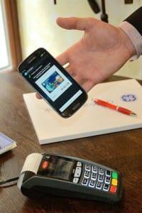 NFC_karta_v_mobilu_1