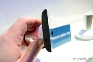 MWC13_Nokia_Lumia_520_03