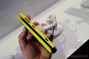 MWC13_Nokia_Lumia_720_07