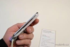 MWC13_Samsung_GalaxyYoung_3