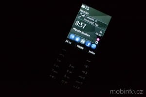 Nokia301dualSIM_podsviceni