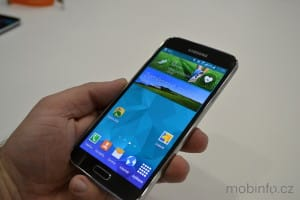 Samsung_Galaxy_S5_nazivo_04