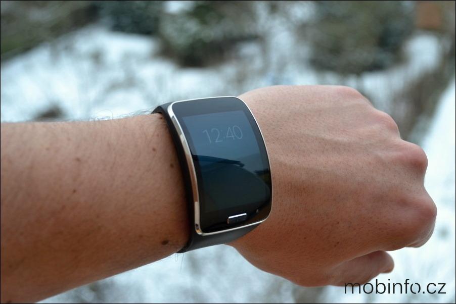 Recenze hodinek Samsung Galaxy Gear S  a308f4147a