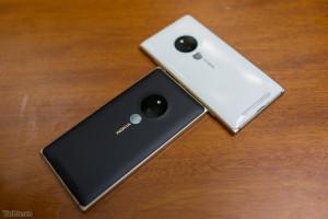 Lumia830Gold_2