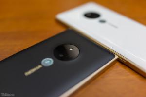 Lumia830Gold_3