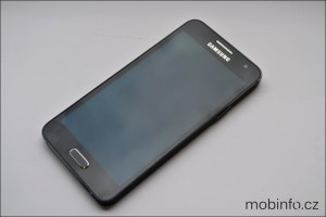 SamsungGalaxyA3_detaily_1