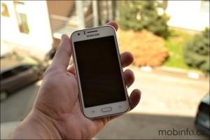 SamsungJ100HGalaxyJ1Duos_4